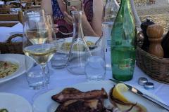 Dobre-jedzenie-Komiza-Croatia