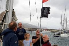 Podniesienie-bandery-YKP-w-porcie-w-Santa-Cruz-de-Tenerife-Spain