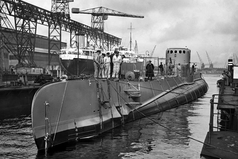 Okręt podwodny ORP Sęp w stoczni w Vlissingen tuż po zwodowaniu - Vlissingen 1938 rok