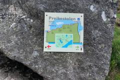 Tablica-w-Preikestolen-1